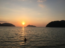 Coucher du soleil sur l'île