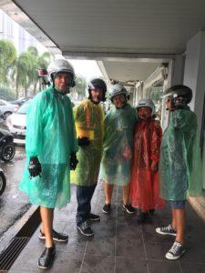 les-scooters-sous-la pluie
