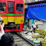 maeklong railwy market (7)